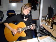 Ina mit Gitarre